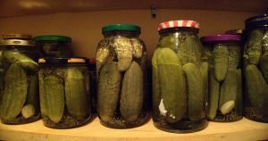12 Useful reasons to never throw out pickle juice